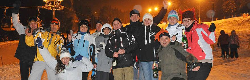 10-12-20120-zabawa-na-stoku-sylwester-2011-2012-swieradow-zdroj
